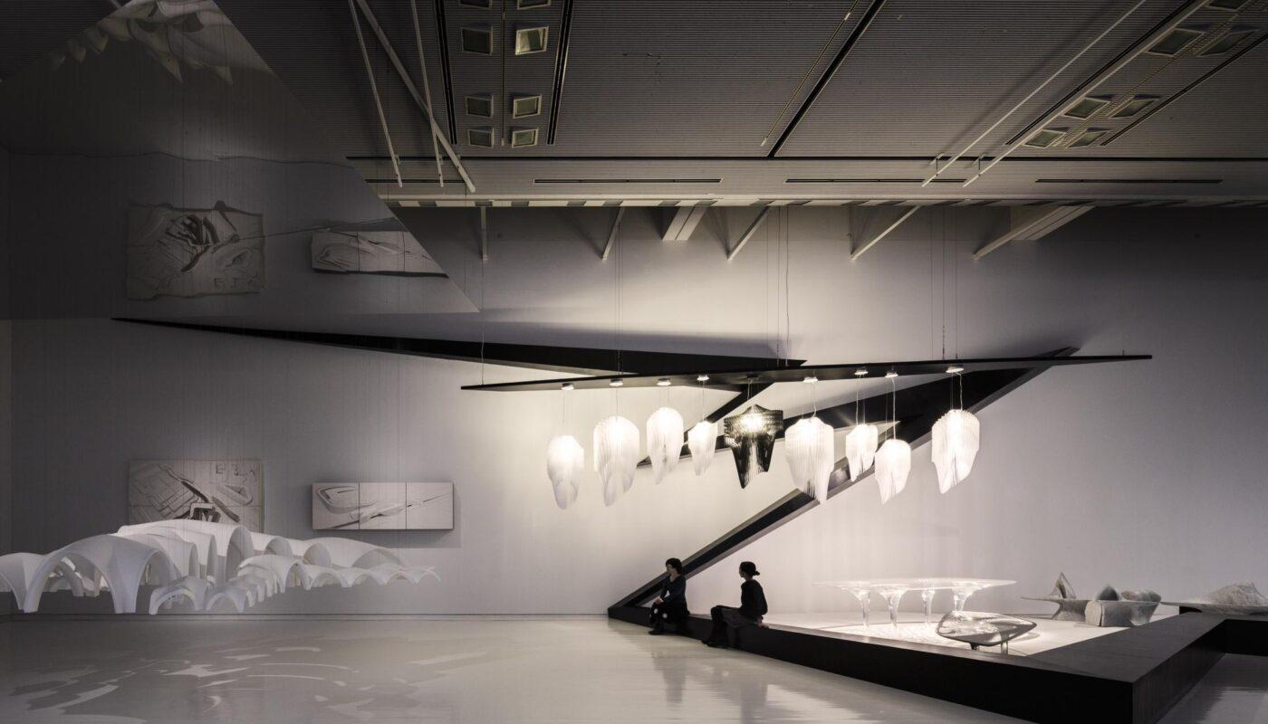 Slamp_Aria_Avia_Tokyo_Opera_City_Art_Gallery_Hadid